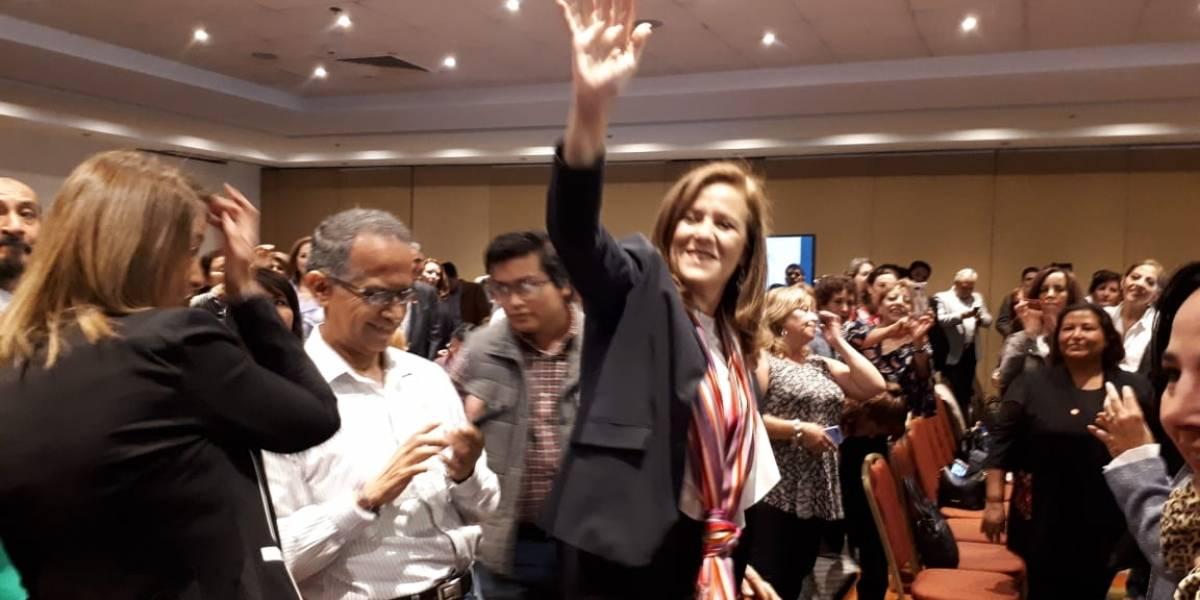 Crea Zavala asociación y va contra financiamiento a partidos