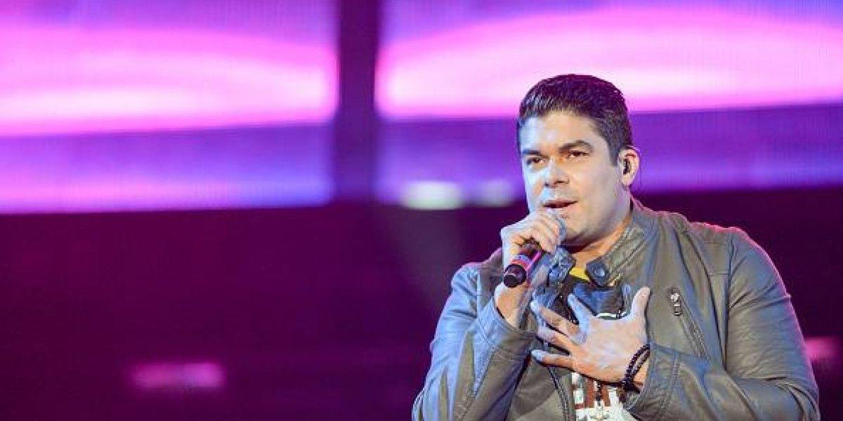 Jerry Rivera sufrió caída durante concierto en Milagro, Guayas