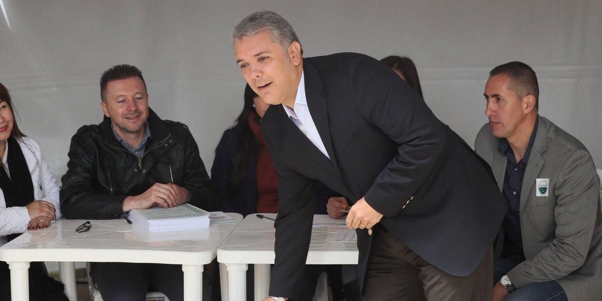 Iván Duque ya votó la consulta anticorrupción