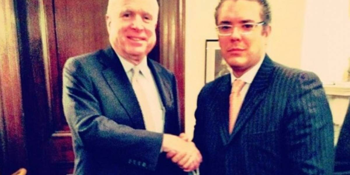 """Duque lamenta la muerte de McCain, que considera fue un """"amigo del progreso"""""""