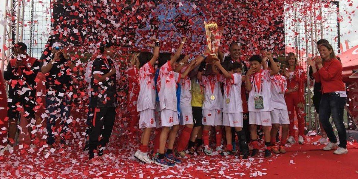 Equipos de Guatemala y Costa Rica se coronan como campeones en la Súper Liga Claro