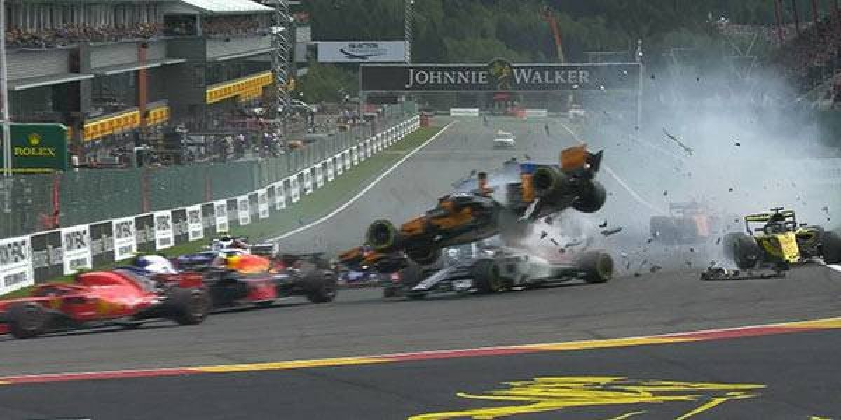 VIDEO: Aparatoso accidente se dio en el GP de Bélgica