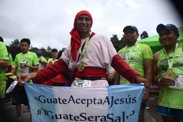 Hermes Fasutino llegó desde Quetzaltenango a correr los 21K