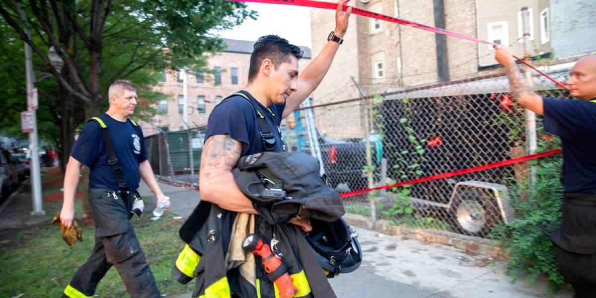 Mueren ocho personas en incendio de Chicago, seis de ellos menores