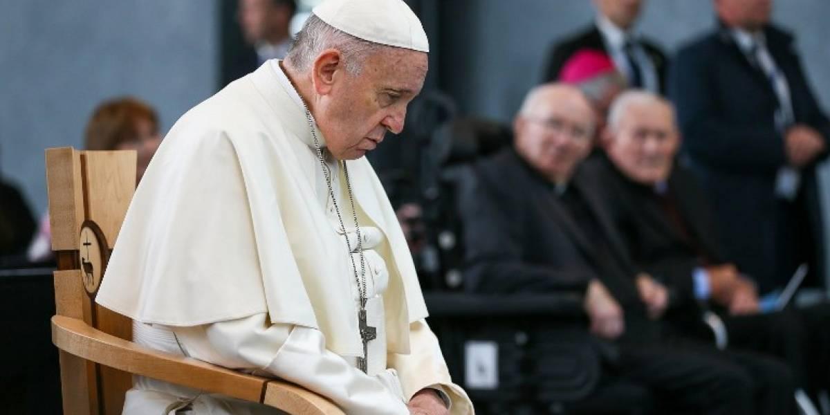 """El Papa implora el """"perdón de Dios"""" por las víctimas de abusos en Irlanda"""