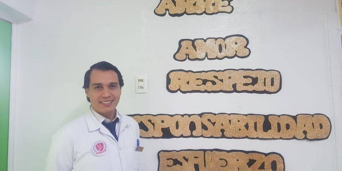 Maluma y Luis Fonsi ayudan a este profesor de Antofagasta a integrar a estudiantes migrantes