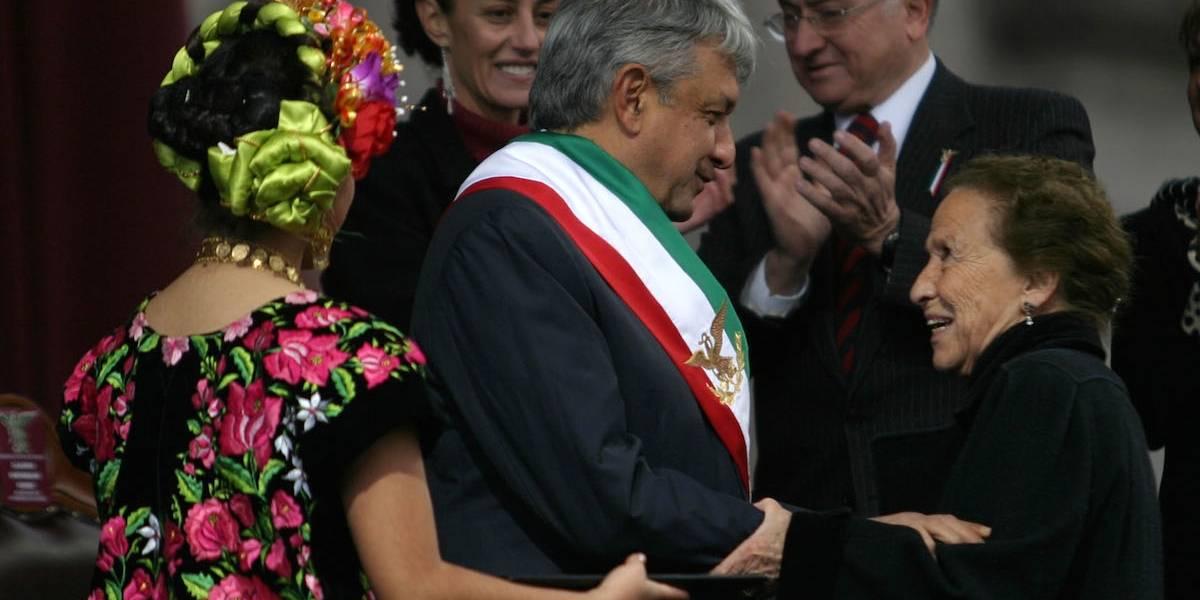 AMLO recibiría la banda presidencial en el Zócalo capitalino