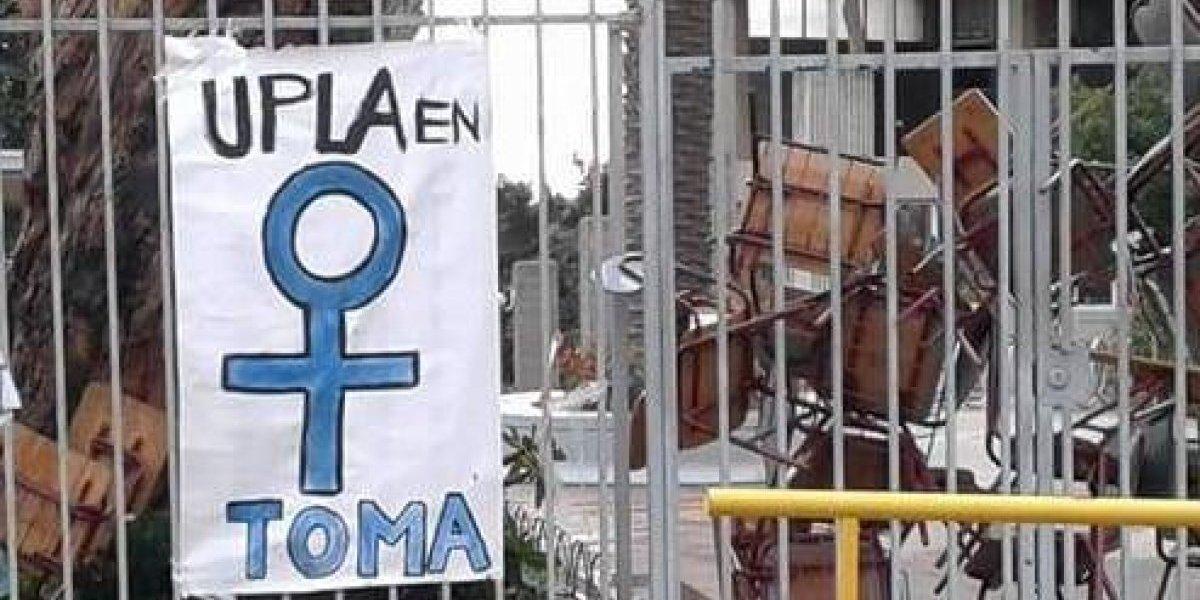 Primera huelga de hambre feminista: exigen cumplimiento de demandas al rector de la Upla