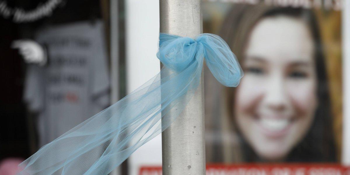 """""""Tenemos que dar vuelta la página"""": La conmovedora despedida del padre de Mollie Tibbetts"""