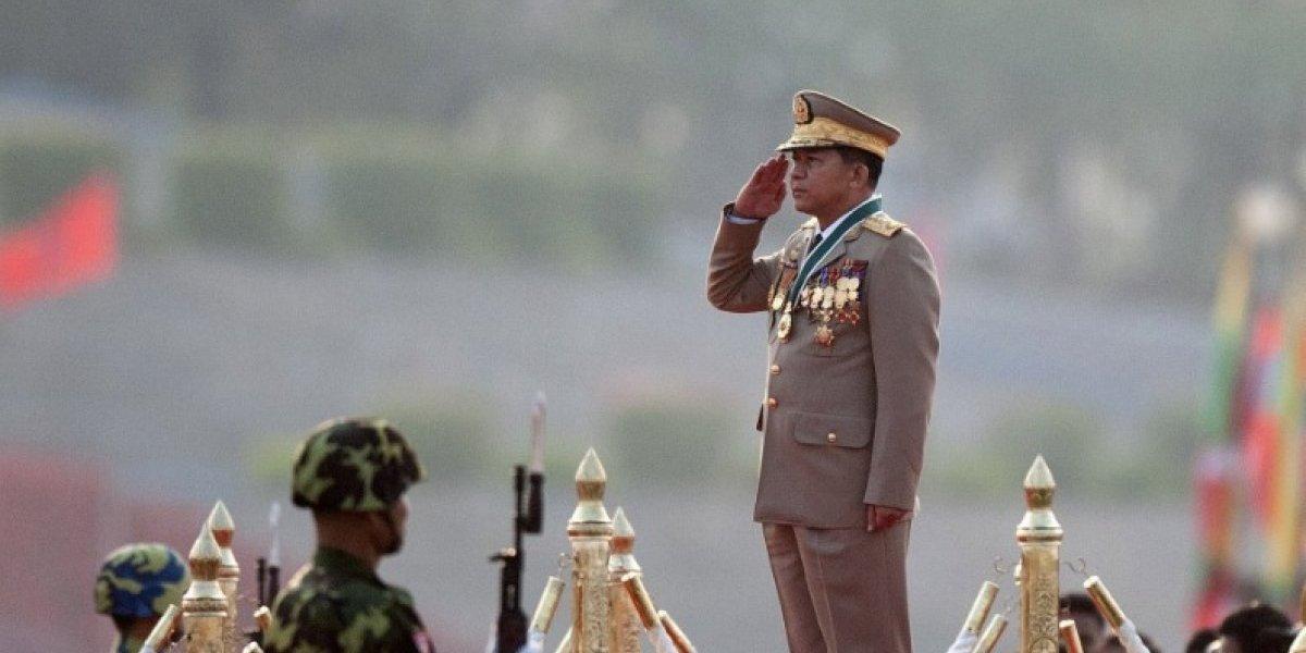 Derechos humanos son vulnerados en ese país: Facebook bloqueó al jefe militar de Myanmar