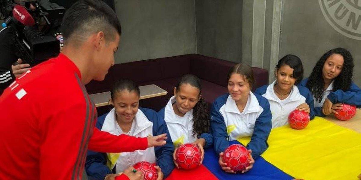 James Rodríguez convive con niñas colombianas