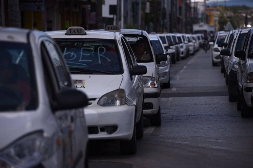 Taxistas piden una reunión con el presidente, Alejandro Giammattei. Foto: Alejandro García