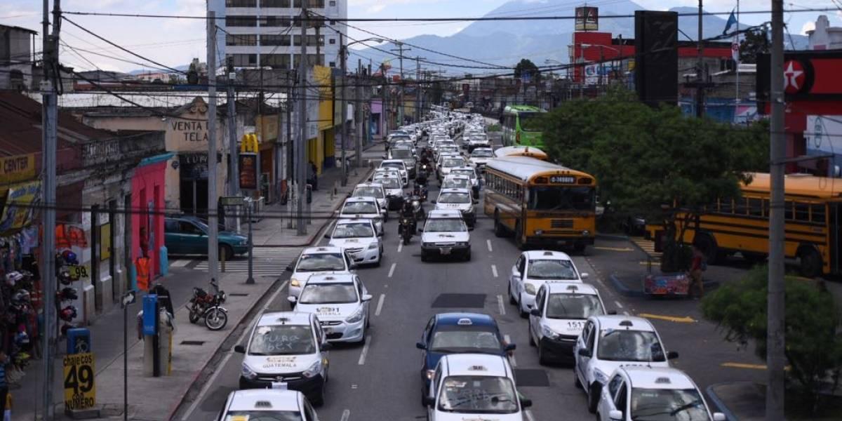 Taxistas realizarán marcha pacífica; aseguran que no bloquearán rutas