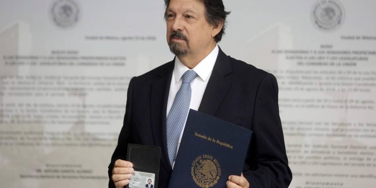 Napoleón Gómez Urrutia reaparece en el Senado tras 12 años de exilio