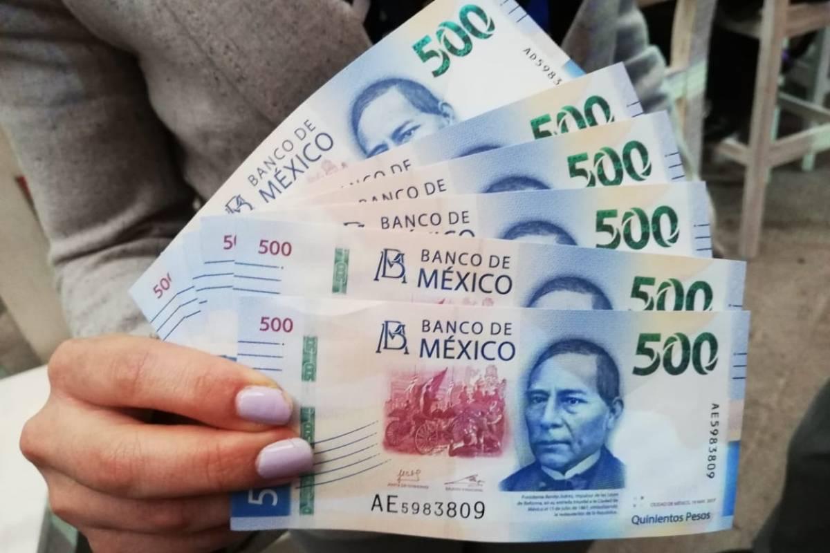 Los billetes de 20 y los 500 pesos con el rostro de Benito Juárez circularán a la par Foto: Nicolás Corte   Publimetro