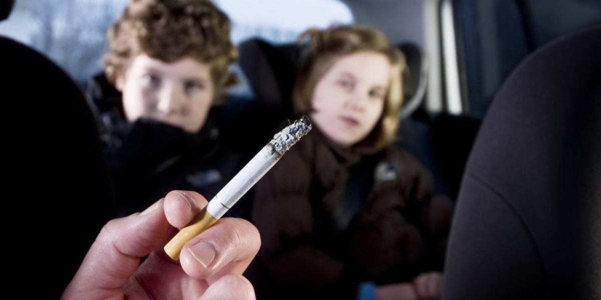 """Filhos de fumantes """"têm mais chance de morrer"""" de doenças de pulmão na vida adulta"""