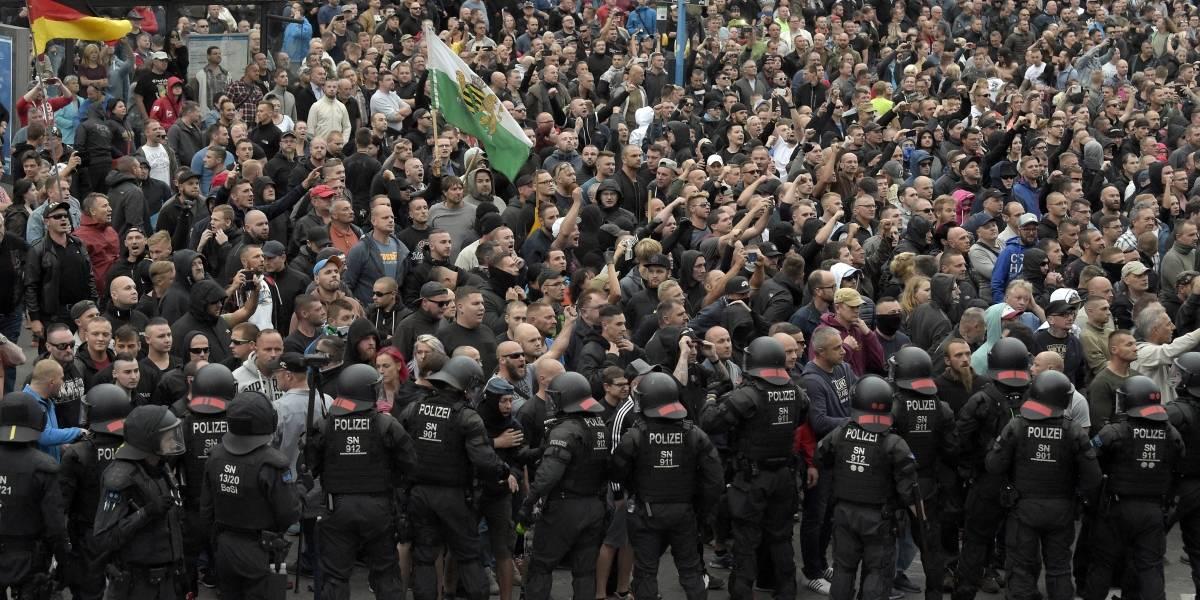 """Grupos neonazis se """"toman"""" las calles en Alemania y generan fuerte polémica"""