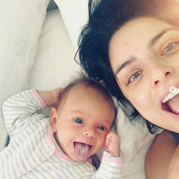 Aislinn Derbez comparte su faceta de mamá con sus seguidores en Instagram