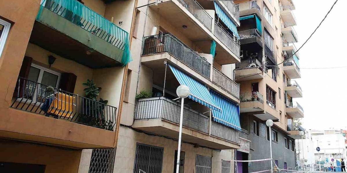 Colombiano cayó de edificio durante persecución policial y quedó herido, en España