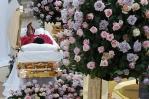 funeralarethafranklina1-75d973a6f9e284ac35f87ad5919e94ab.jpg
