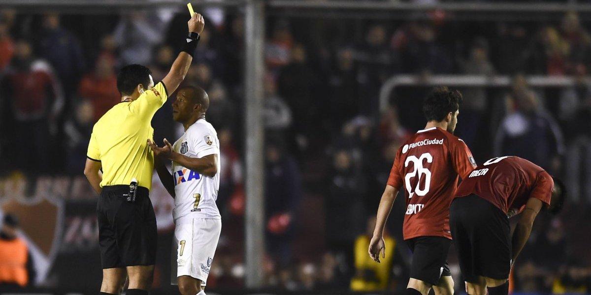 """""""No tiene sustento legal"""": La rabia de Santos tras el fallo de la Conmebol a favor de Independiente"""