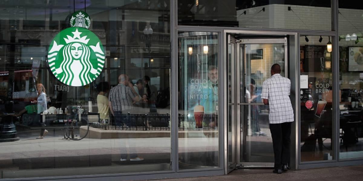 Nestlé sella alianza con Starbucks