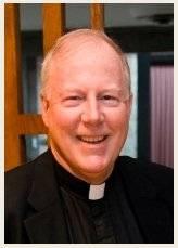 James T. Bretzke, profesor de teología moral en la Universidad de Marquette, EE. UU.