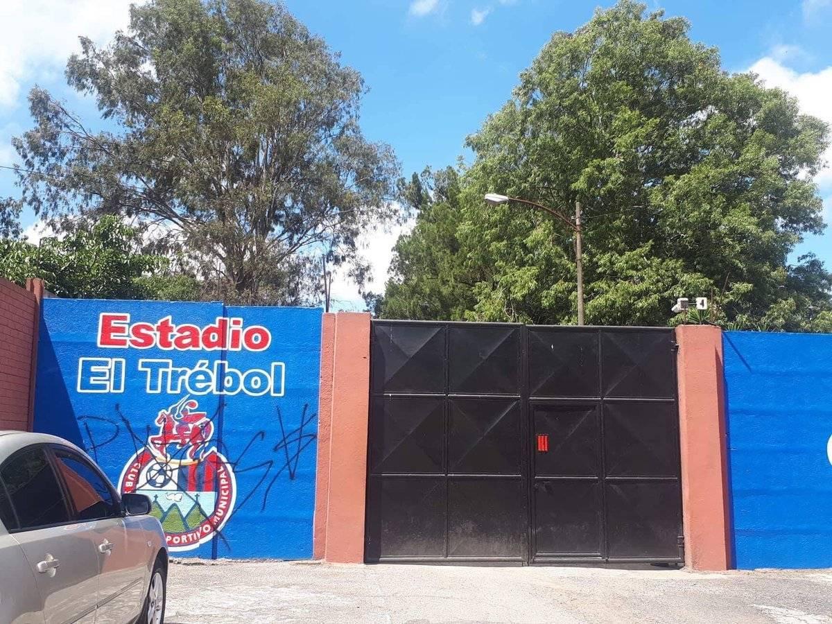 Municipal entrenó a puerta cerrada