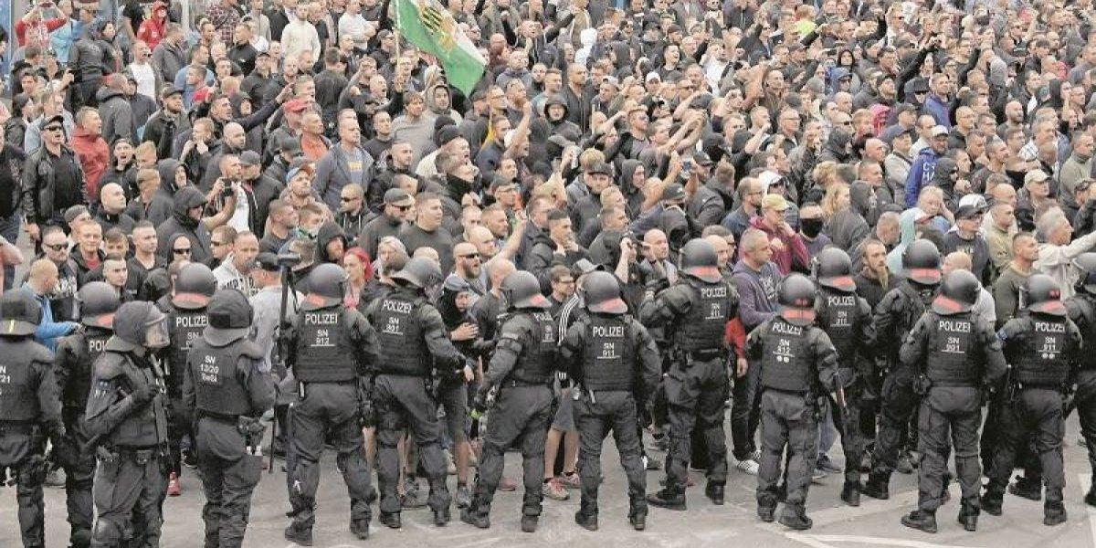 Neonazis a la caza de inmigrantes en Alemania