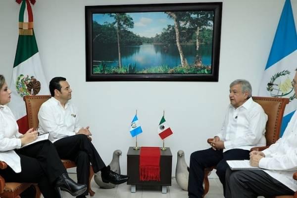 Jimmy Morales se reúne con presidente electo de México Manuel López Obrador