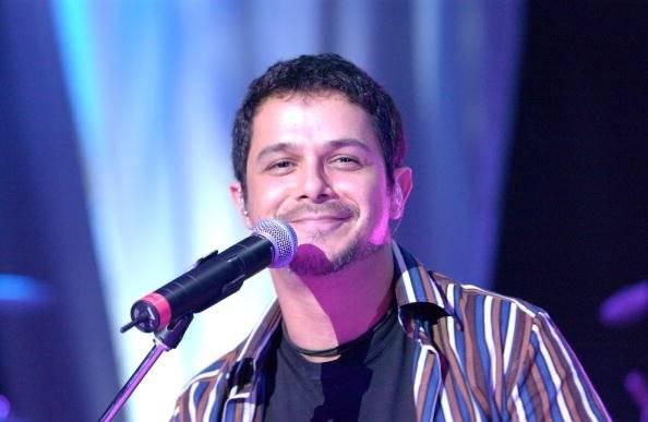 El cantante se presenta en concierto en el Teatro Griego el 23 de junio de 2002 en Los Ángeles, California. Getty