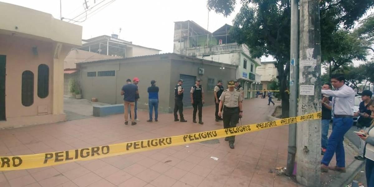 Guayaquil: Hombre fue herido por sujetos armados a quienes no les gustó el modelo de su teléfono