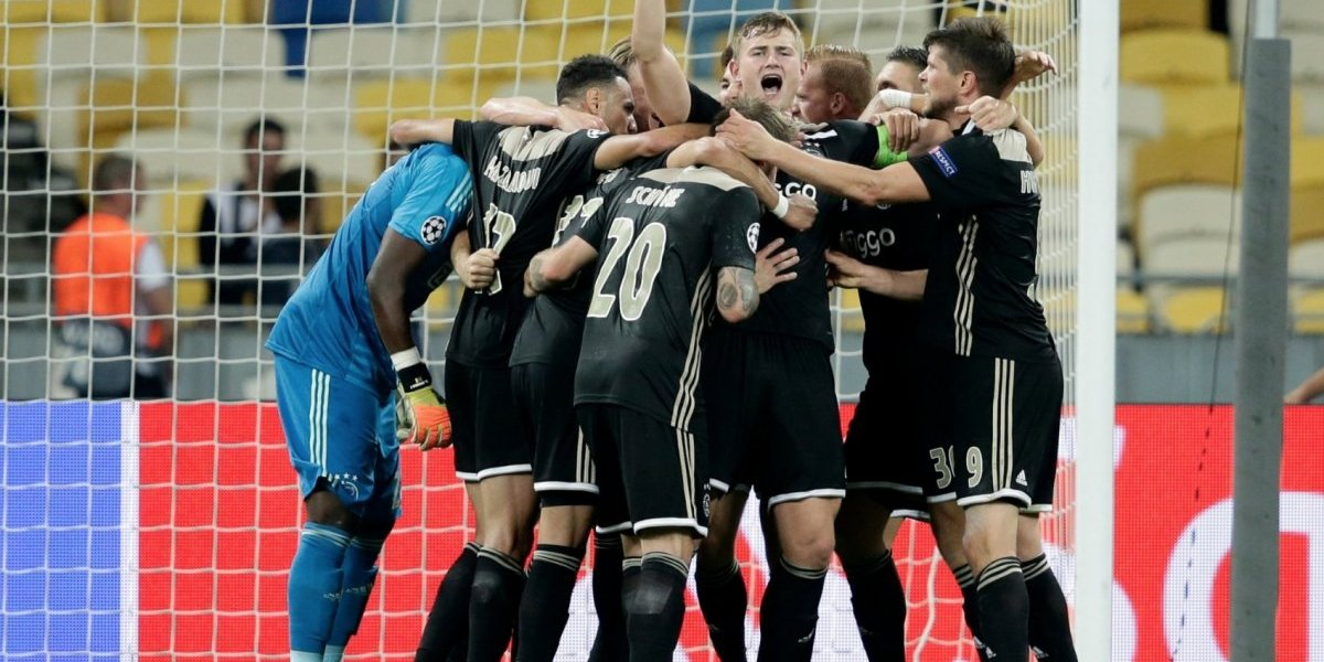 Ajax no falla y clasifica a la Champions League