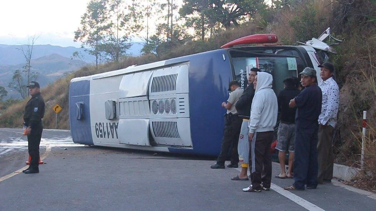 Accidente de tránsito en la vía Loja-Carimanga