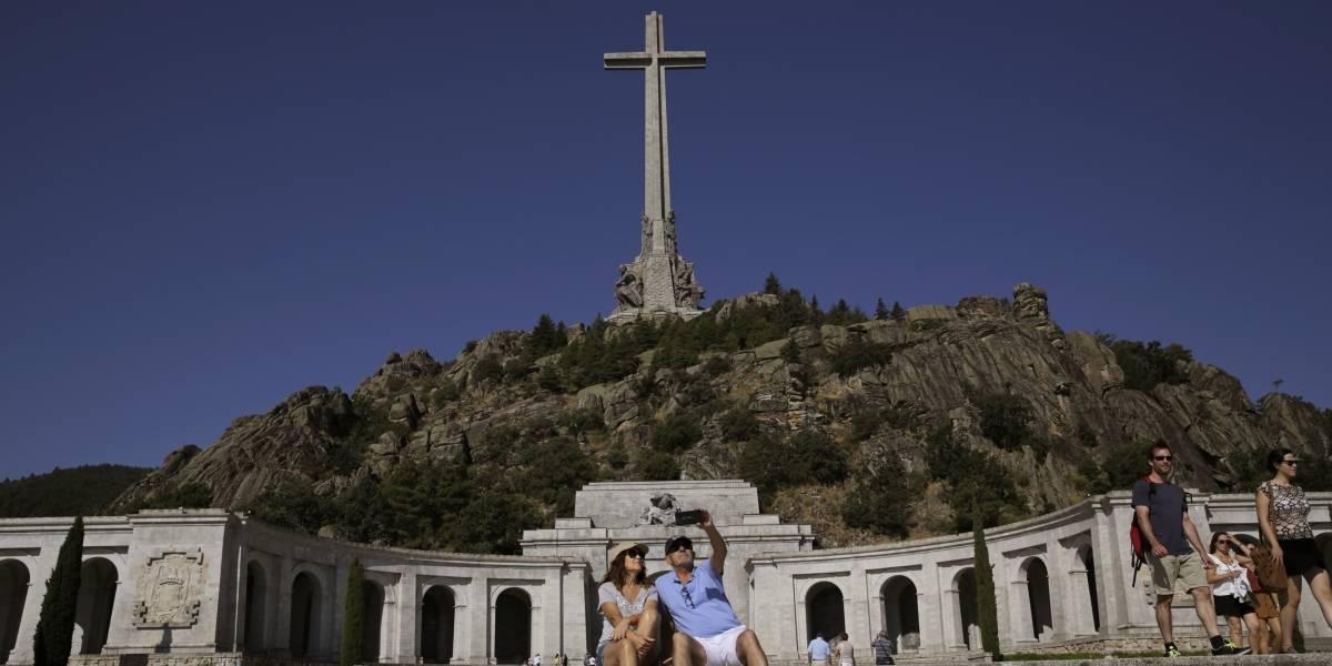 Otra polémica con el museo de la memoria, pero de dictadores, en España: El gobierno renuncia a resignificar el Valle de los Caídos