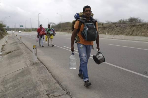"""Dejen de lavar pocetas"""": Maduro calificó de """"esclavos económicos"""" a los venezolanos que han emigrado"""