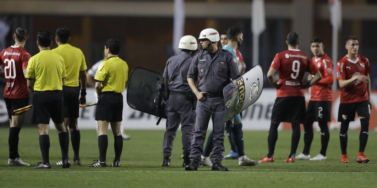 Los días llenos de incidentes que le ha tocado vivir al árbitro Julio Bascuñán