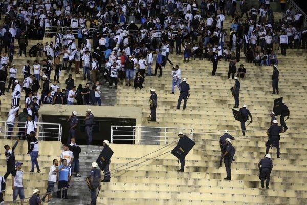 Los incidentes en el Pacaembú / imagen: AP