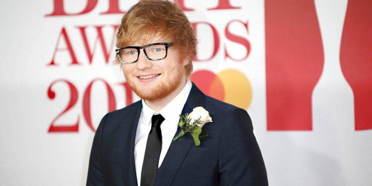 Ed Sheeran sorprendió a sus fans al revelar que se casó con su novia de la infancia
