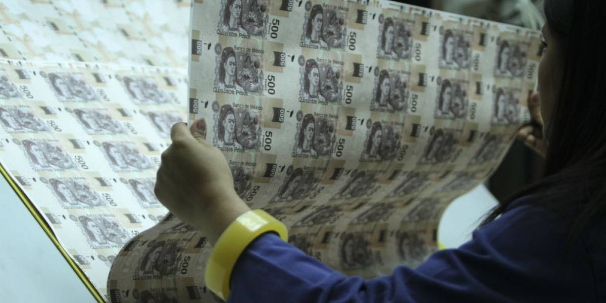 China paga todo por celular mientras México insiste en hacer billetes