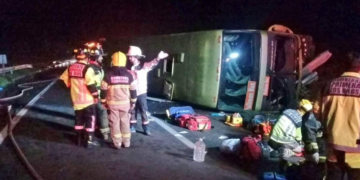 Los Vilos: volcamiento de bus deja siete personas heridas en la Ruta 5 Norte