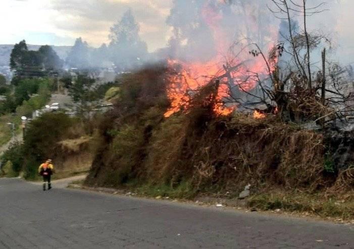 conato incendio forestal en en el sector de Alangasí