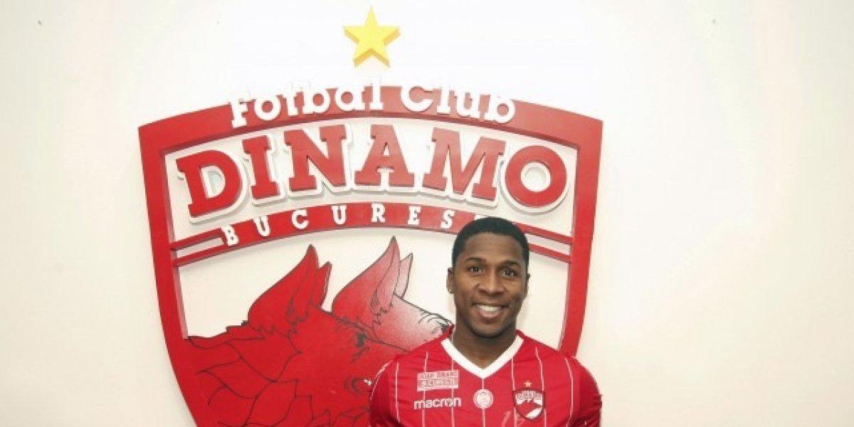 Armando Cooper se descargó en su partida de la U y ya fue oficializado en el Dinamo Bucarest
