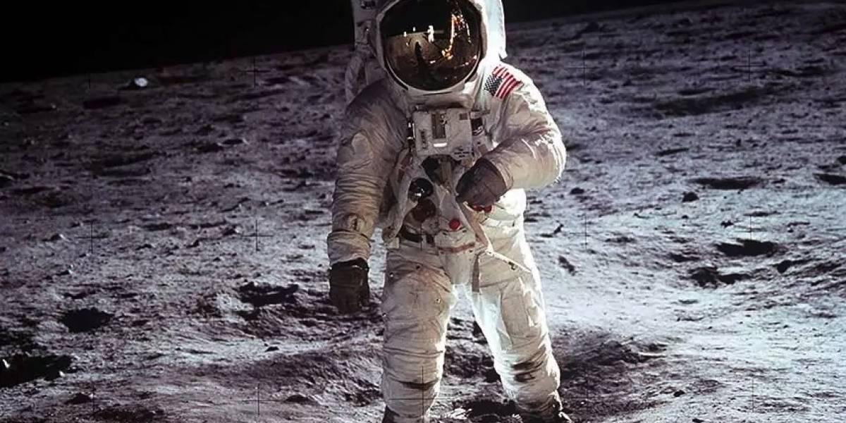 Tipo se encuentra video original de misión lunar Apolo 11 y lo subasta por una millonada