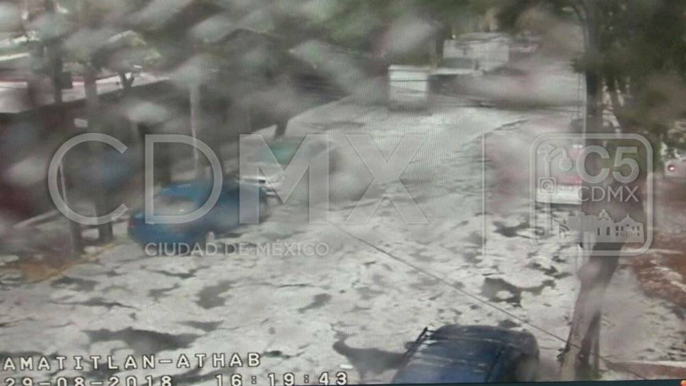 Una de las inundaciones se registró en Lago Amatitlán y Lago Athabasca, Col. San Diego Ocoyoacac Foto: Twitter @C5_CDMX
