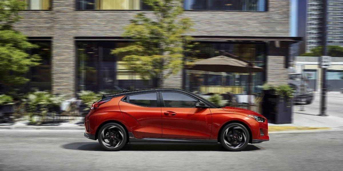 Hyundai sale al ataque y repotencia el Veloster