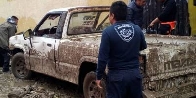 Lluvia deja graves estragos en Valle Dorado