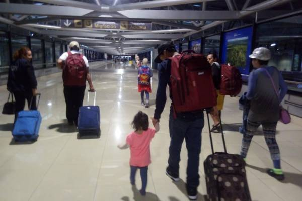 pacientes atendidas en Estados Unidos por erupción del volcán regresan a Guatemala