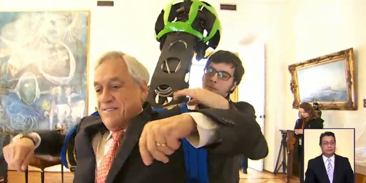 Video: Piñera se puso la mochila de Google Street View para tomar fotos de La Moneda