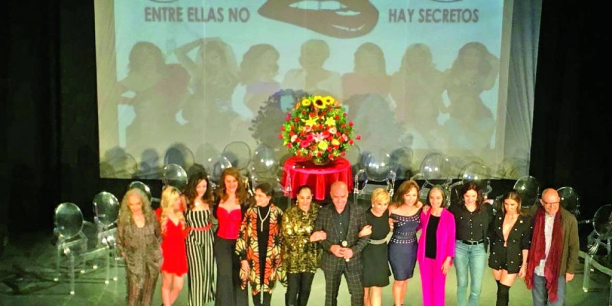 Actrices se empoderan y toman el control de teatro en Monterrey con Las recogidas